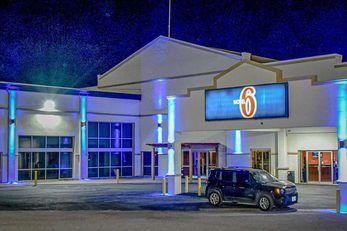 Motel 6 Snyder