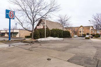 Motel 6 Libertyville IL