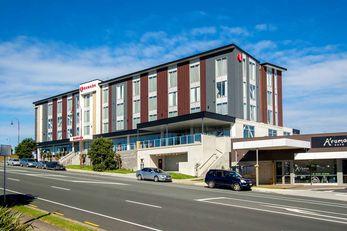 Ramada Suites Albany, Auckland