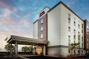 Hampton Inn/Suites Irvine-Orange County