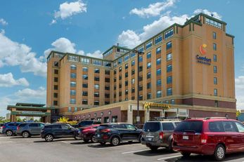 Comfort Inn & Suites Logan Int'l Apt