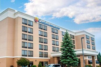 Comfort Inn & Suites Watertown
