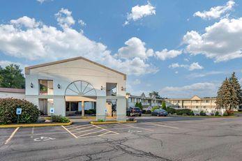 Quality Inn & Suites At Binghamton Univ