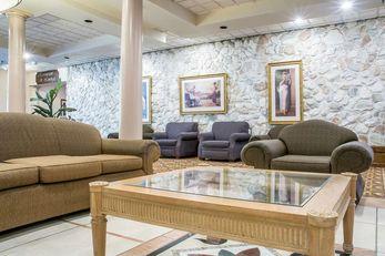 Quality Inn & Suites Palm Island