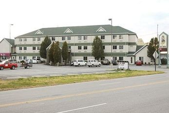 Commodore Perry Inn & Business Center