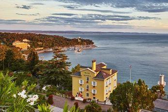 Hotels Riviera & Maximilian's
