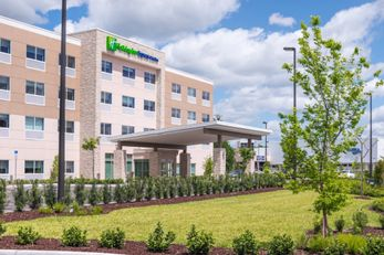 Holiday Inn Express/Suites Wesley Chapel