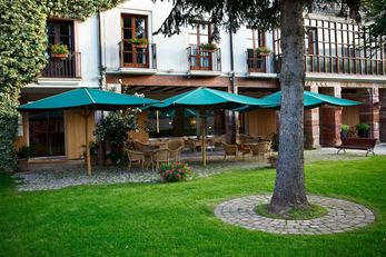 Echaurren Hotel