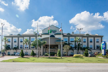 Holiday Inn Express & Suites Alvin