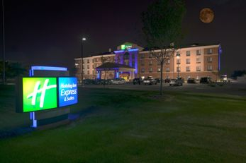 Holiday Inn Express & Stes Detroit North