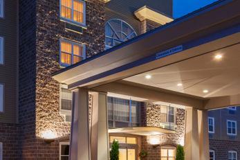 Holiday Inn Express Deer Lake Airport
