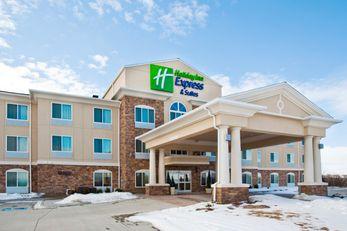 Holiday Inn Express & Suites Omaha I-80