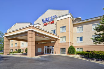 Fairfield Inn and Suites  Birmingham / F