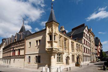Hotel de Bourgtheroulde, Autograph