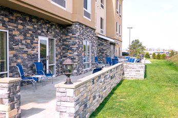Fairfield Inn & Suites Slippery Rock