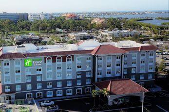 Holiday Inn Express/Suites Seminole Area
