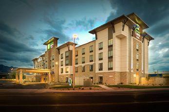 Holiday Inn Express & Stes Murray