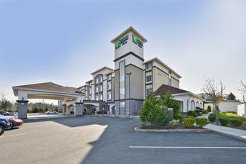 Holiday Inn Express & Sts Lakewood