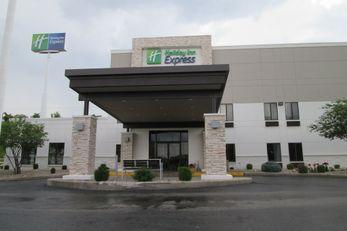 Holiday Inn Express Cloverdale