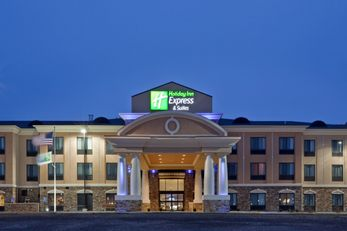 Holiday Inn Express and Suites Hays