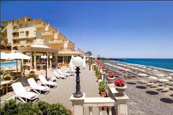 Hellenia Yachting Hotel