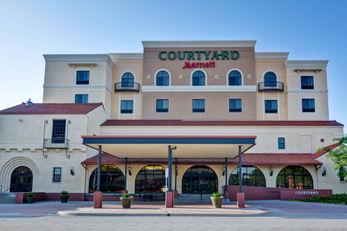 Courtyard by Marriott Wichita at Old Twn