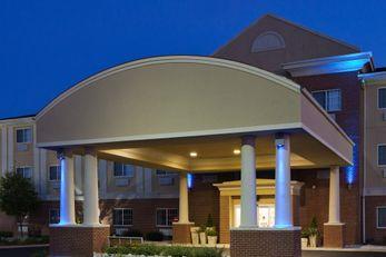 Holiday Inn Express Defiance