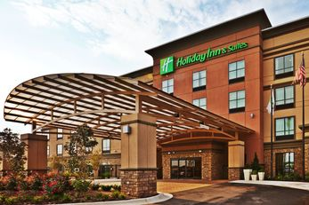 Holiday Inn & Suites - University