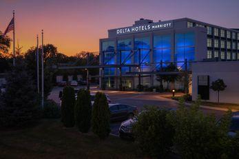 Delta Hotels Milwaukee Northwest