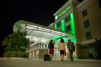 Holiday Inn Long Island Islip Arpt East