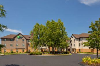 Holiday Inn Express/Suites Bradley Arpt