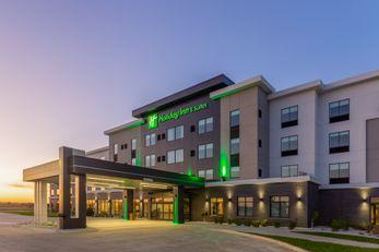 Holiday Inn & Suites Cedar Falls