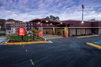 Red Roof PLUS+ & Suites Atlanta/Vinings
