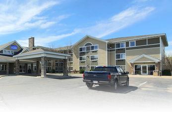 AmeriVu Inn & Suites Waconia