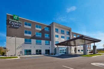 Holiday Inn Express & Stes Cedar Springs