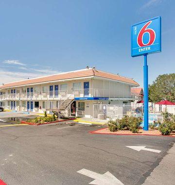 Motel 6 Albuquerque Carlisle