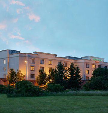 Courtyard Ithaca Airport/University