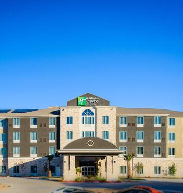 Holiday Inn Express Stes Arboretum Area