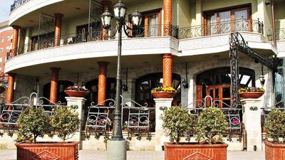 Dinasty Hotel Rezidence