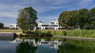 Best Western Plus Golden Lakes Hotel