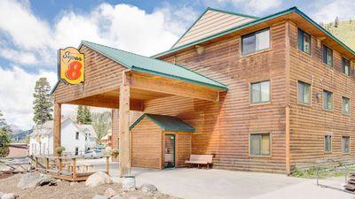 Super 8 Cooke City Yellowstone Park Area