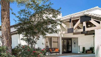 Hawthorn Suites Arlington/DFW South