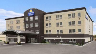 Days Inn & Suites Winnipeg Airport