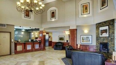 Lakeview Inn & Suites Fort Nelson