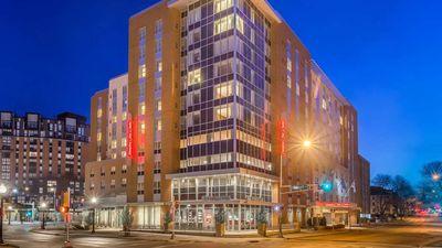 Hampton Inn & Suites Madison/Downtown