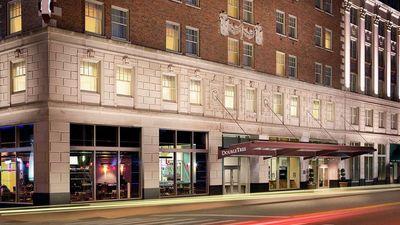 Doubletree Suites by Hilton Detroit Down