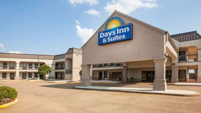 Days Inn & Suites Tyler