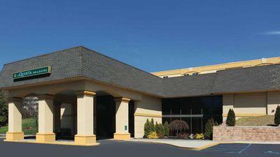 La Quinta Inn & Suites Elmsford