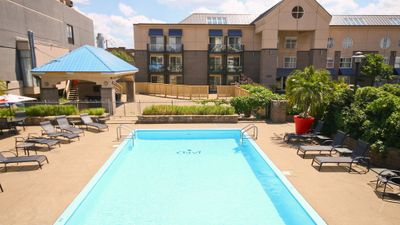 Jaro Hotel Lindbergh