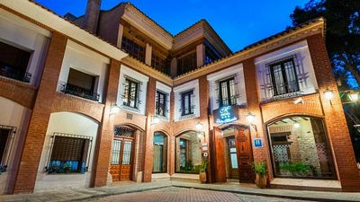 Dona Manuela Hotel